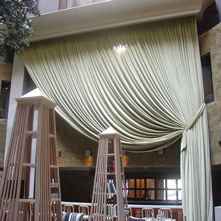 Κατασκευή προϊόντων που αφορούν στο ύφασμα, όπως κουρτίνες, panels, roman blinds, lampriken, ειδικές κατασκευές κουρτινών.